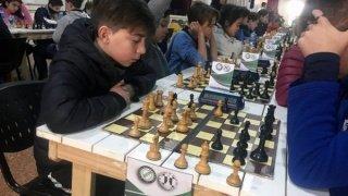 El ajedrez más joven relució en Villa Sahores