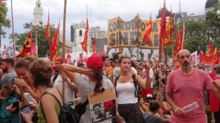 Millares contra la escalada represiva